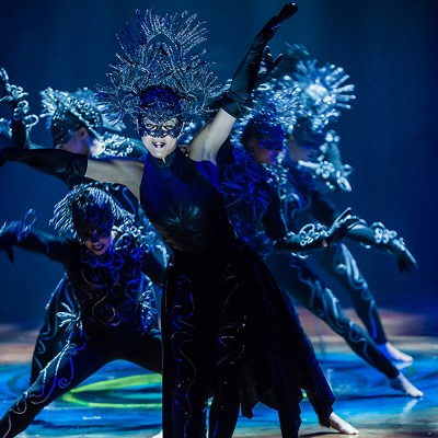 Cirque du Soleil Pays Tribute to Women